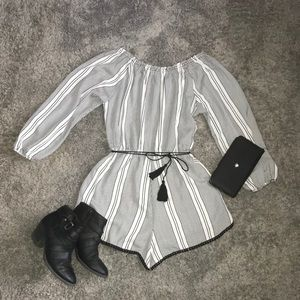 FRESH BLACK AND WHITE URBAN OUTFITTERS ROMPER